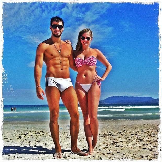 Bárbara Evans e Lucas Malvacini (Foto: Reprodução/ Twitter)