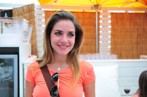 Monique Alfradique em Jurerê Internacional (Foto: Cassiano de Souza / Divulgação)