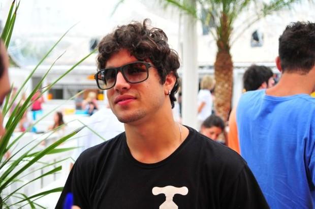Caio Castro em Jurerê Internacional (Foto: Cassiano de Souza / Divulgação)
