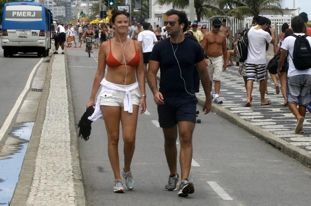 Letícia Birkheuer e o marido (Foto: Edson Teófilo e Gil Rodrigues/PhotoRio News)