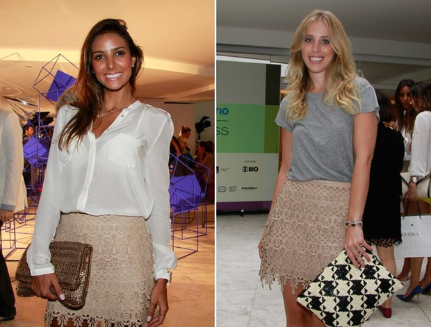 Flávia Sampaio e a jornalista Duda Maia com a mesma saia no Fashion Business (Foto: Isac Luz / EGO)