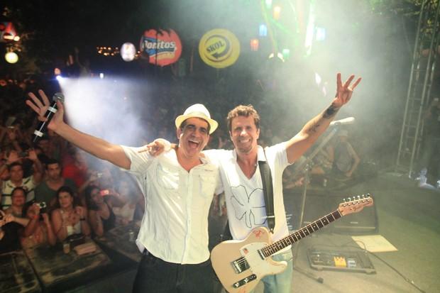 Durval Lelys, do Asa de Águia, e Tuca Fernandes no Ensaio do Harém, em Salvador na Bahia (Foto: Fred Pontes/ Divulgação)