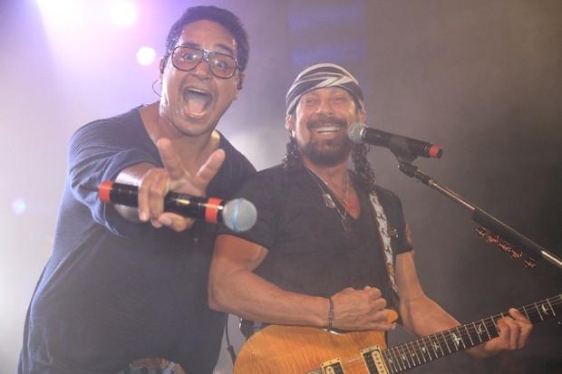 Xanddy canta com Bell Marques no show do Harmonia do Samba em Salvador, na Bahia (Foto: Fred Pontes/ Divulgação)