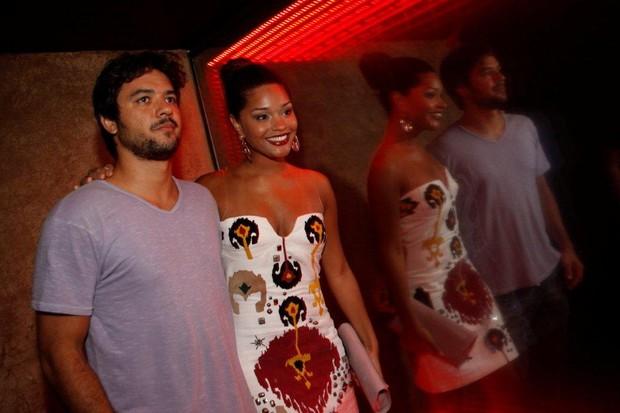Juliana Alves com o namorado Guilherme Duarte na inauguração da boate de Luciano Szafir no Rio (Foto: Philippe Lima/ Ag.News)