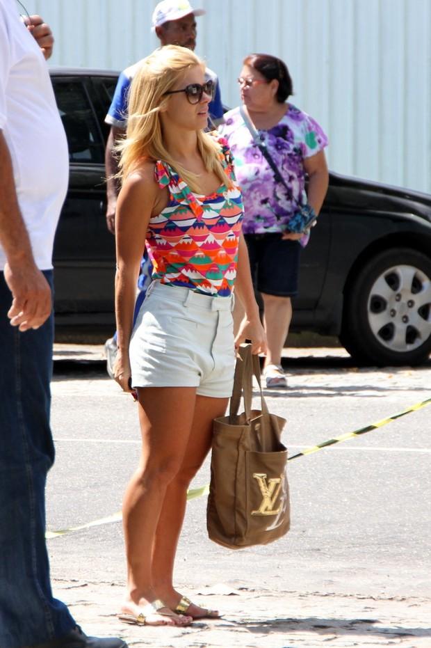 Carolina Dieckmann chega para gravação no Rio (Foto: Clayton Militão/PhotoRio News)