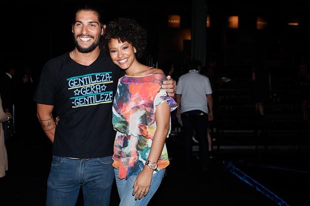 Sheron Menezzes e o namorado (Foto: Marcos Serra Lima/ EGO)