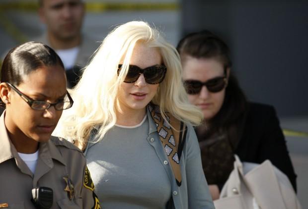 Lindsay Lohan deixa tribunal (Foto: Agência/Reuters)