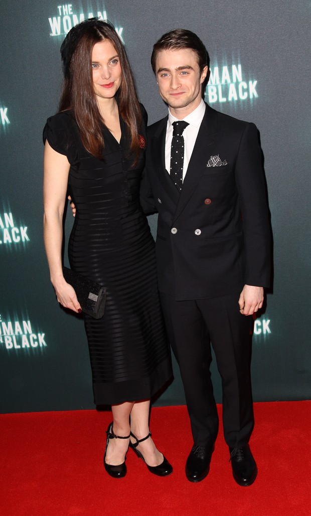 Liz White e Daniel Radcliffe na première de 'The Woman In Black' em Londres, na Inglaterra (Foto: Getty Images/ Agência)