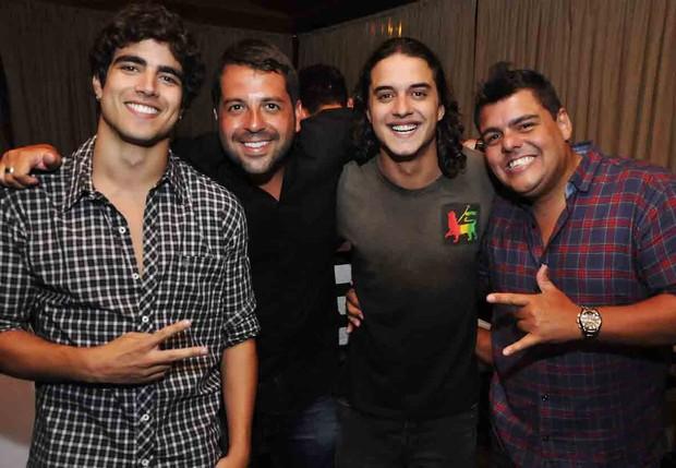 Caio Castro, Rafael Cuia, Guilherme Boury e DJ Tartaruga em inauguração de boate, no Rio (Foto: Ari Kaye / Divulgação)