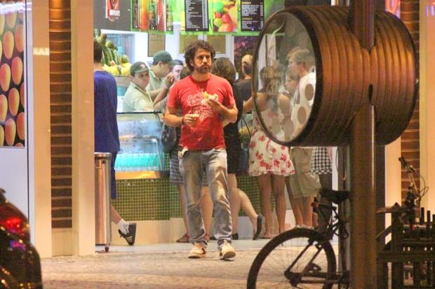 Eriberto Leão em lanchonete no Leblon, Zona Sul do Rio (Foto: Fausto Candelária/ Ag. News)