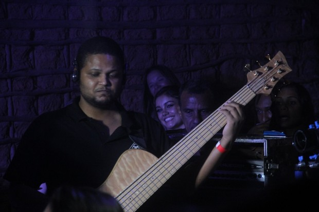 Sophie Charlotte em show do Trio Ternura no Rio (Foto: Photo Rio News)