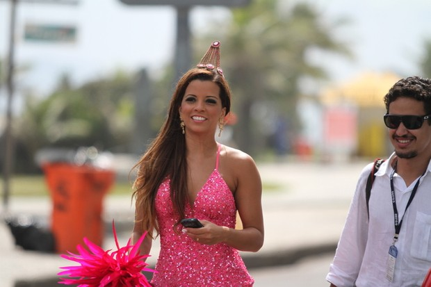 Renata Santos (Foto: Clayton MIlitão e Rufino Bandeira - Photo Rio News)