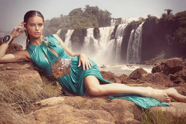 Adriana Lima na Vogue (Foto: André Passos)