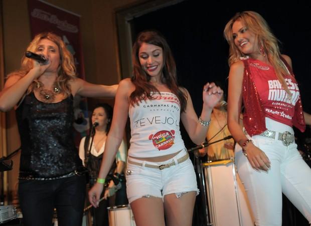 Ex-BBB Maria e Ellen Roche em evento em São Paulo (Foto: Francisco Cepeda/ Ag.News)