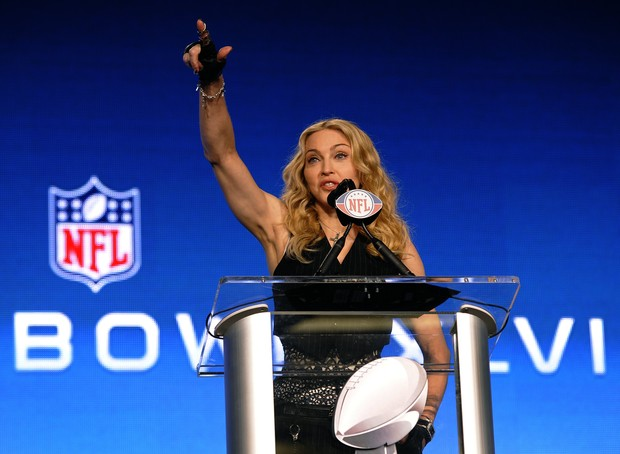 Madonna na entrevista de apresentação do Super Bowl (Foto: Agência/AFP)