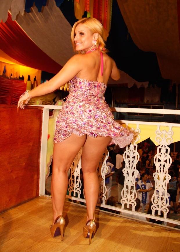Fernanda Abraao mostra demais em ensaio (Foto: Ag. News/Amauri Nehn)