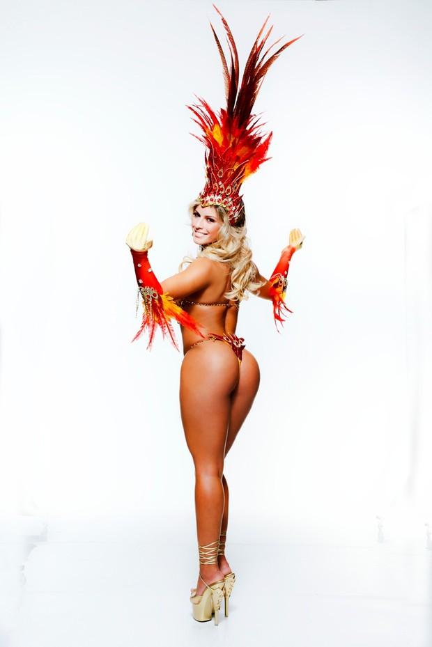 Panicat Babi Rossi em ensaio de carnaval (Foto: Caio Mello/ Divulgação)