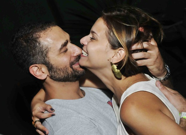 Milena Toscano e namorado (Foto: Ari Kaye / Divulgação)