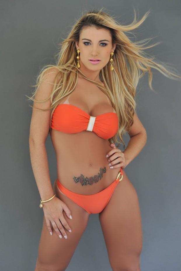 Andressa Urach nova dançarina cantor Latino  (Foto: Divulgação)