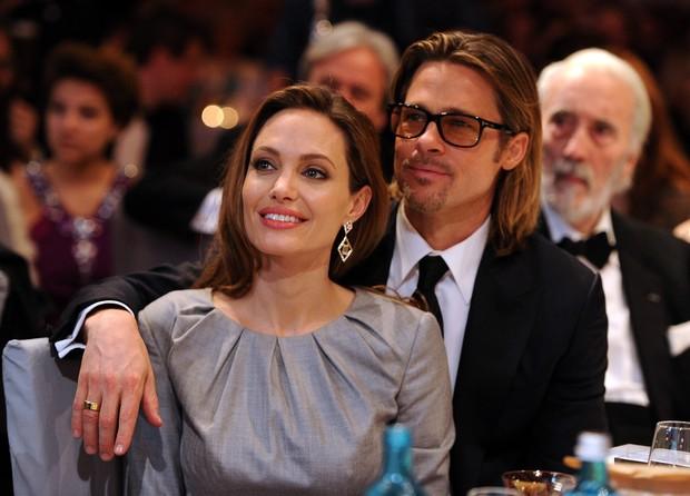 Angelina Jolie e Brad Pitt em cerimônia de gala em Berlim (Foto: Getty Images)