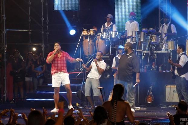 Exaltasamba e Harmonia do Samba se apresentam juntos em Salvador (Foto: Wallace Barbosa/Ag News)