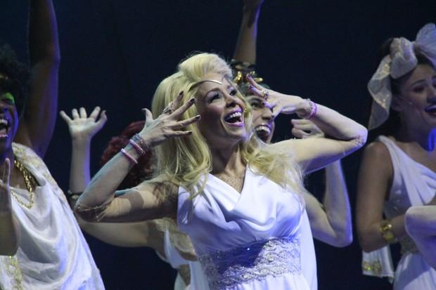 Danielle Winits reestreia no musical Xanadu (Foto: Isac Luz / EGO)