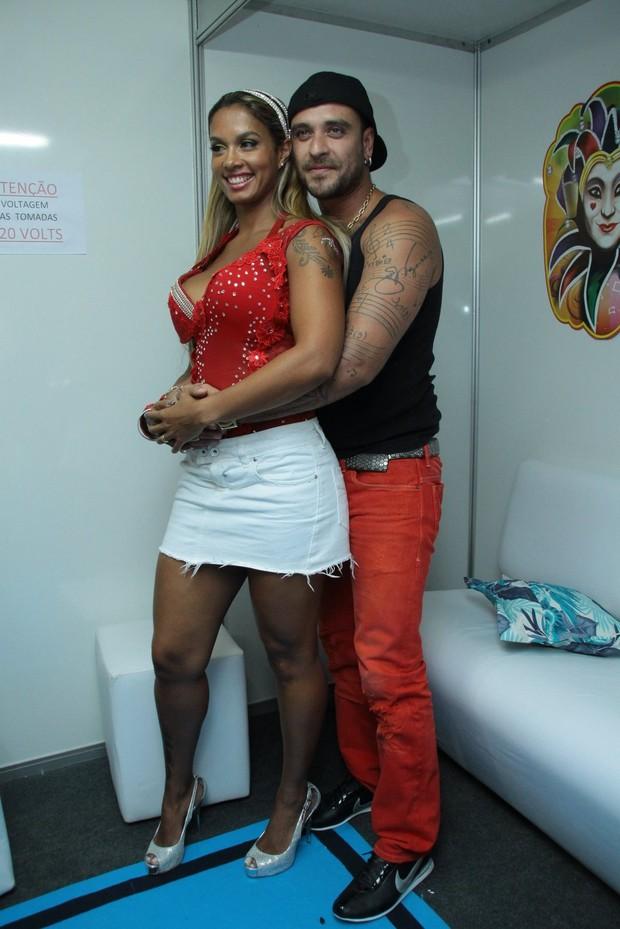 Diogo Nogueira e a mulher, Milena (Foto: Cleomir Tavares/Devassa Divulgação)