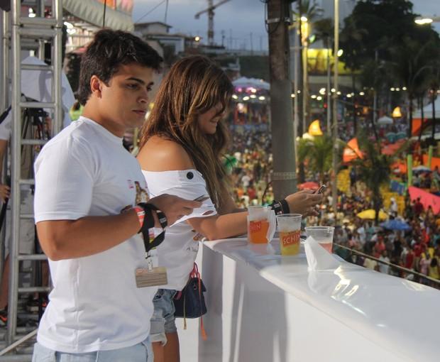 Cristiana Oliveira no camarote da Quem, em Salvador (Foto: Ag. News)