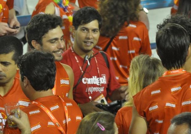 Thiago Rodrigues chega em Ludmilla Dayer (Foto: Roberto Teixeira / EGO)