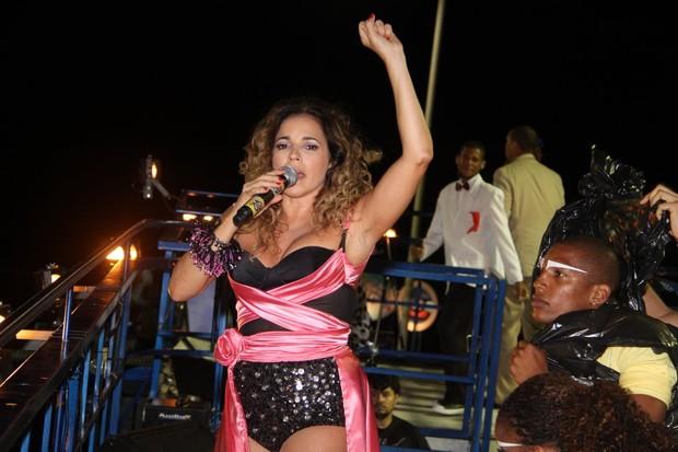 Daniela Mercury (Foto: Daniel Delmiro e J. Humberto e Adilson Lucas  / Agnews)