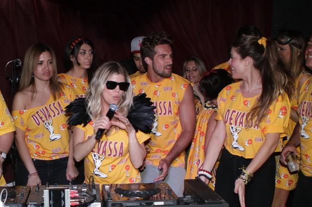 Fergie se apresenta em camarote da Sapucaí (Foto: Raphael Mesquita / Photo Rio News)