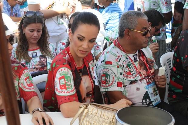 Ana Furtado na apuração (Foto: Anderson Borde / Ag. News)