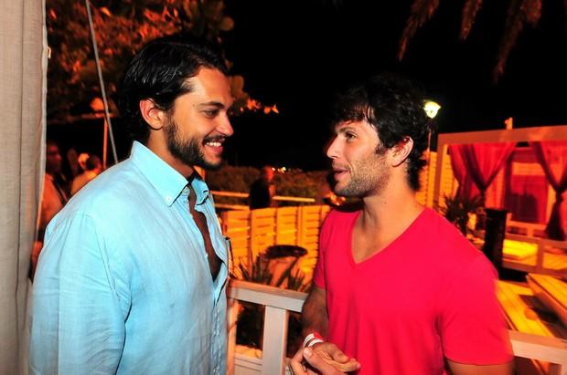 Raphael Vianna e Gustavo Leão no Café de la Musique, em Florianópolis (Foto: Cassiano de Souza/Divulgação)