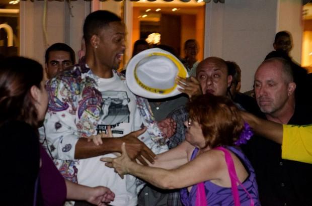 Will Smith saindo de hotel no Rio (Foto: Gabriel Reis/Ag. News)