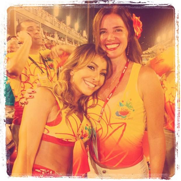 Sabrina posta foto com Luma de Oliveira (Foto: Twitter / Reprodução)