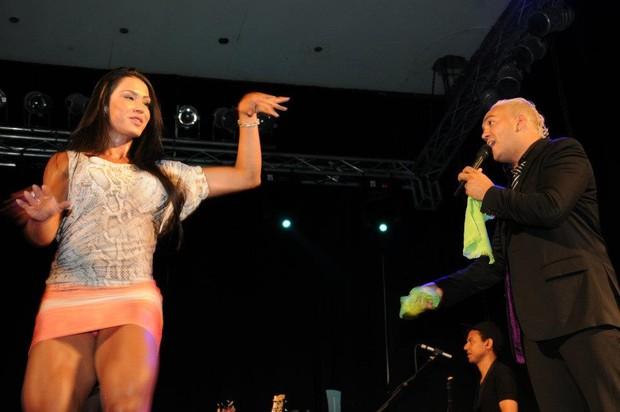 Belo e Gracyanne (Foto: Platina Line / Divulgação)