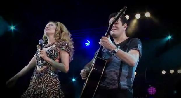 Joelma e Chimbinha na gravação do dvd da banda Calypso (Foto: You Tube/ Reprodução)