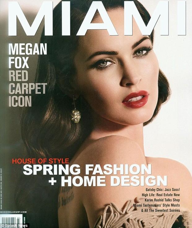 """A atriz Megan Fox na capa da revista """"Miami"""" (Foto: Reprodução / Miami)"""