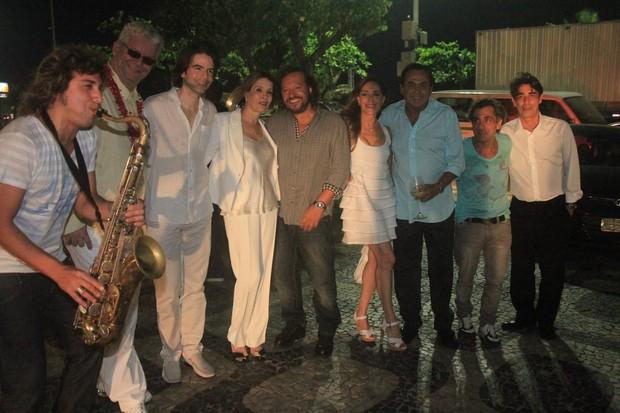 Christiane Torloni, Wolf Maya e amigos (Foto: Rodrigo dos Anjos / AgNews)