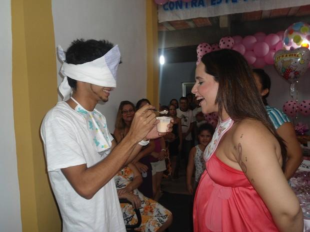 Perlla faz chá de bebê (Foto: Guimarães Assessoria/Divulgação)