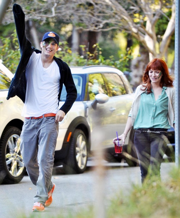 Ashton Kutcher e suposto affair Lorene Scafaria (Foto: Brainpix)