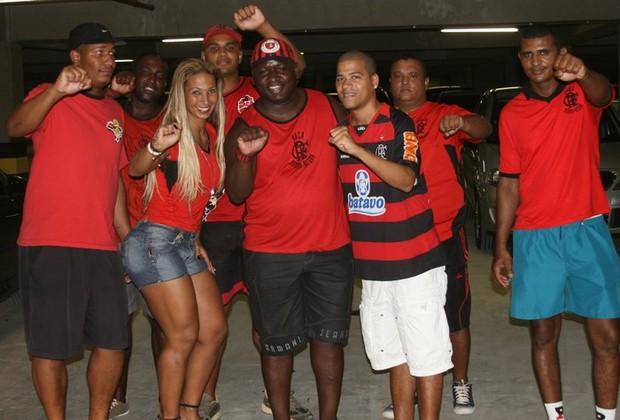 Valesca Popozuda assiste a jogo do Flamengo, no Engenhão, no Rio (Foto: Divulgação)