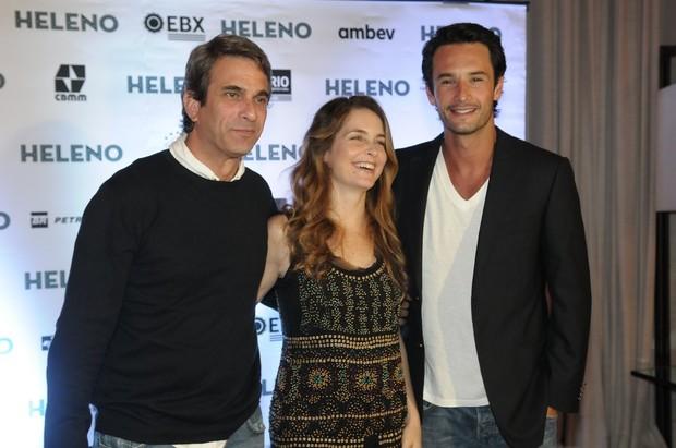 José Henrique Fonseca, Cláudia Abreu e Rodrigo Santoro em pré-estreia de filme em São Paulo (Foto: Francisco Cepeda/ Ag.News)
