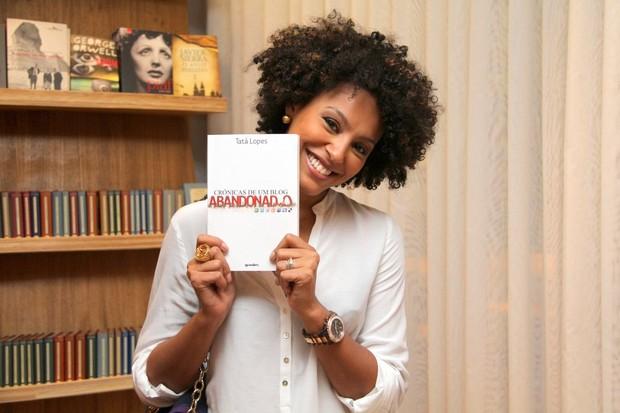 Sheron Menezzes em lançamento de livro no Rio (Foto: Daniel Delmiro/ Ag. News)