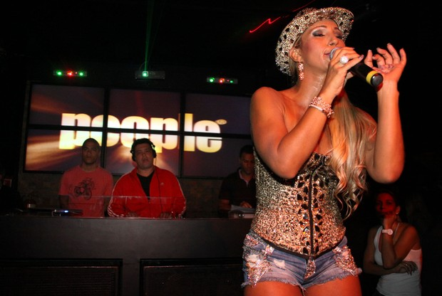 Valesca Popozuda canta em boate na Barra da Tijuca, Zona Oeste do Rio (Foto: Daniel Pinheiro/ Divulgação)