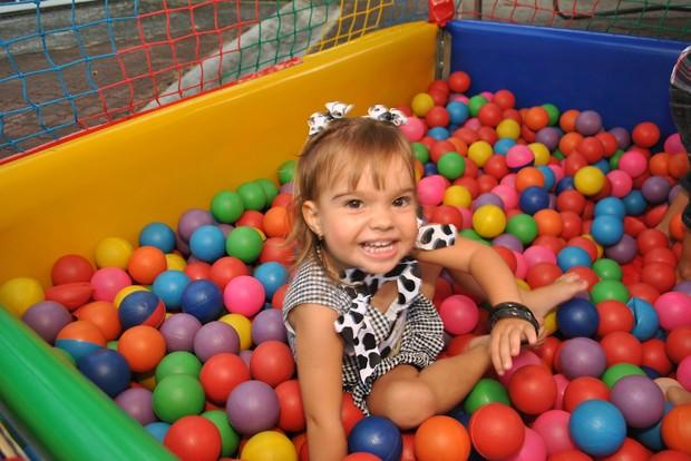 Aniversário de dois anos de Nicole, filha da ex-paquita Roberta Cipriani (Foto: Pablo Amora/ Divulgação)