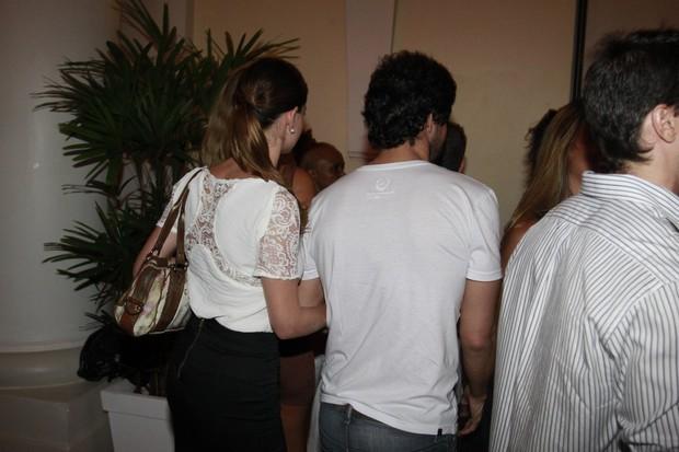 Alinne Moraes com Felipe Simão em festa no Rio (Foto: Philippe Lima e Felipe Panfili / Ag. News)