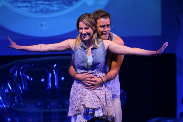 Joaquim Lopes e Giovanna Ewbank em cena da peça 'O Grande Amor da Minha Vida' (Foto: Roberto Filho/ Ag.News)