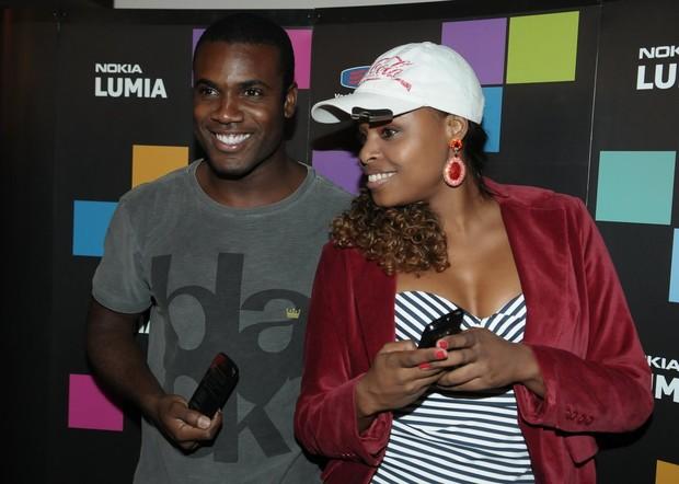 Rafael Zulu e Roberta Rodrigues em evento em São Paulo (Foto: Francisco Cepeda/ Ag.News)
