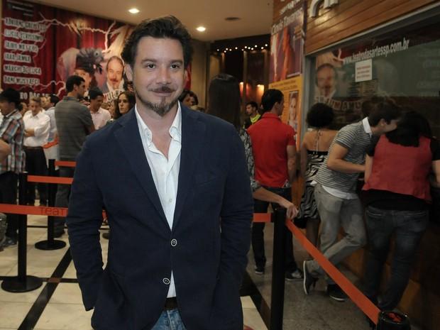 Alexandre Iódice em pré-estreia de peça em São Paulo (Foto: Francisco Cepeda/ Ag.News)